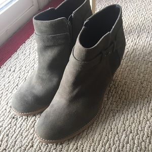 Brand new moss suede Sole Society booties size 9.5
